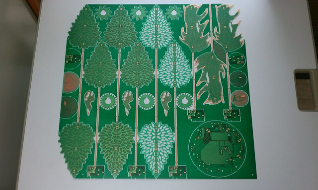 PcbArt_Healing-Leaf_0030
