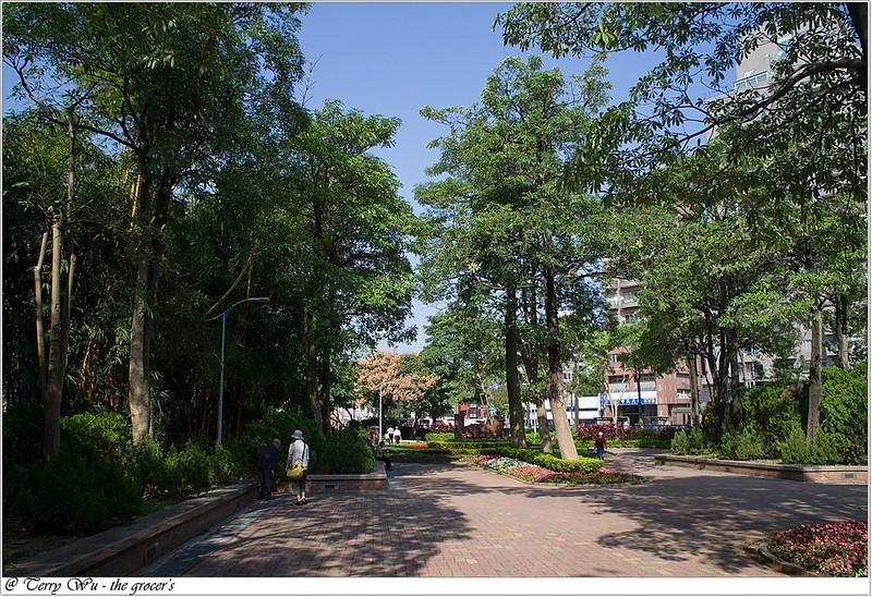2012-11-10 姐妹會的老人團健行-大安森林公園-3