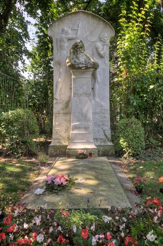 Johannes Brahms' Grave