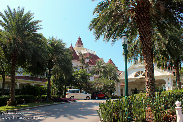 Wandering around the HK Disneyland Hotel