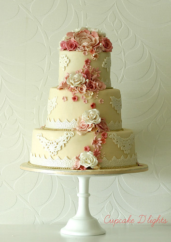 vintage wedding cake by {zalita}