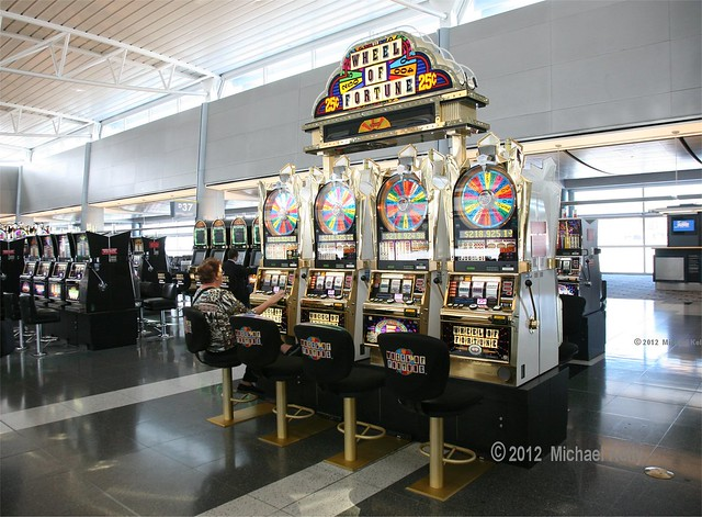 Las vegas airport gambling machines