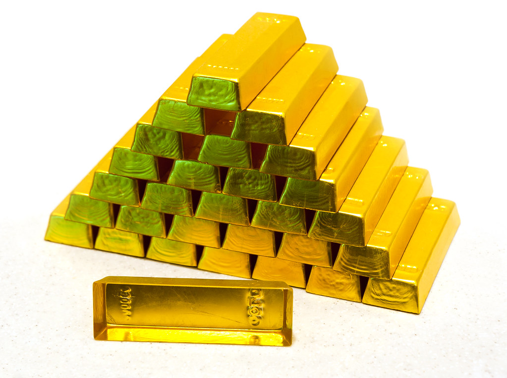 pyramid from gold bullions
