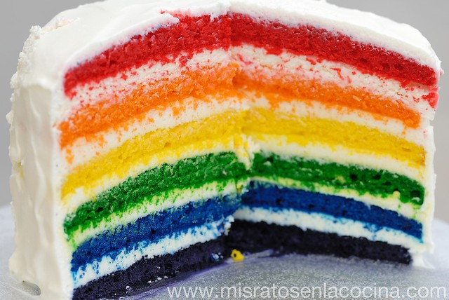 Tarta arcoiris (cumpleaños)