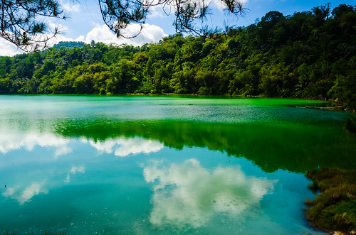 reflection clouds indonesia raw acid northsulawesi sulfur geothermal tomohon nikond7000 danaulinow linowlake yemaria