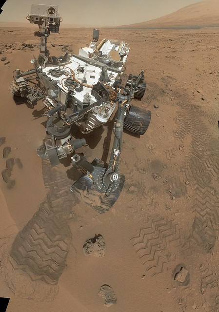 Curiosity's 'Rocknest' Workplace