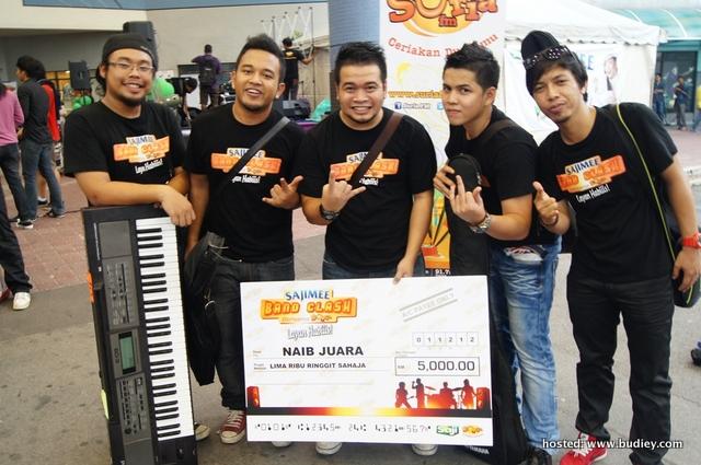 Pelajar UiTM Juara Sajimee Band Clash Bersama SURIA FM