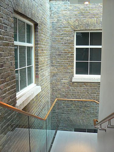 escaliers saatchi gallery.jpg