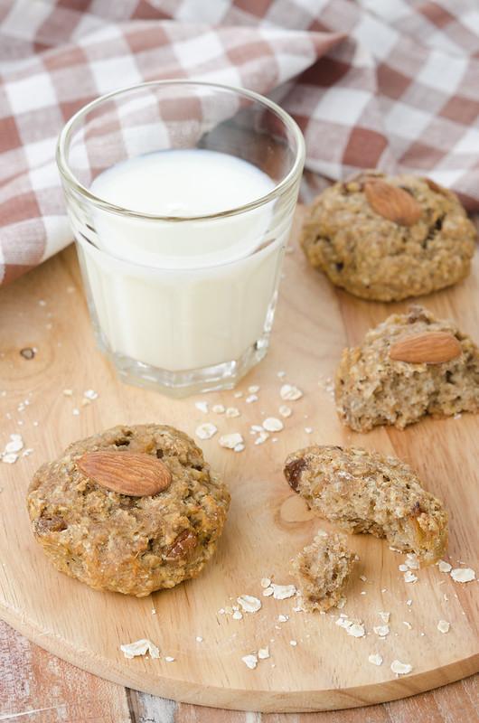 Вафли, манник, овсяное печенье и два рецепта с нутом oatmeal raisin cookies and milk