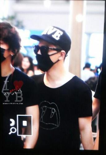 YB Dae GD departure Seoul to Bangkok 2015-07-10 001