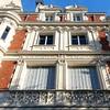 Bleu blanc rouge. #vivelafrance #bleublancrouge #paris #parisjetaime #loves_paris #seemycity #seemyparis #secretparis #architecture #thisisparis #bluesky #parisweloveyou #bonjourparis #seulementparis #pariscartepostale #postcardfromparis #visitparis #pari