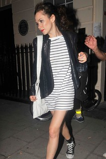 Anna Friel Converse Celebrity Style Women's Fashion