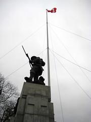 Remembrance Day 2012 V: Cenotaph & Flag