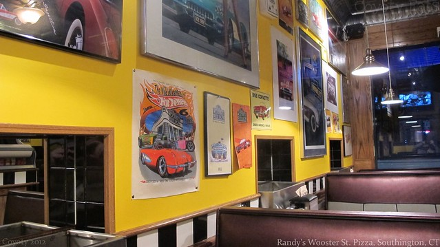 Randy's Wooster St. Pizza interior