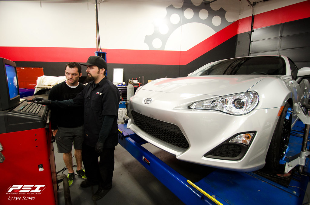 Brian does an alignment on the Yaer FR-S