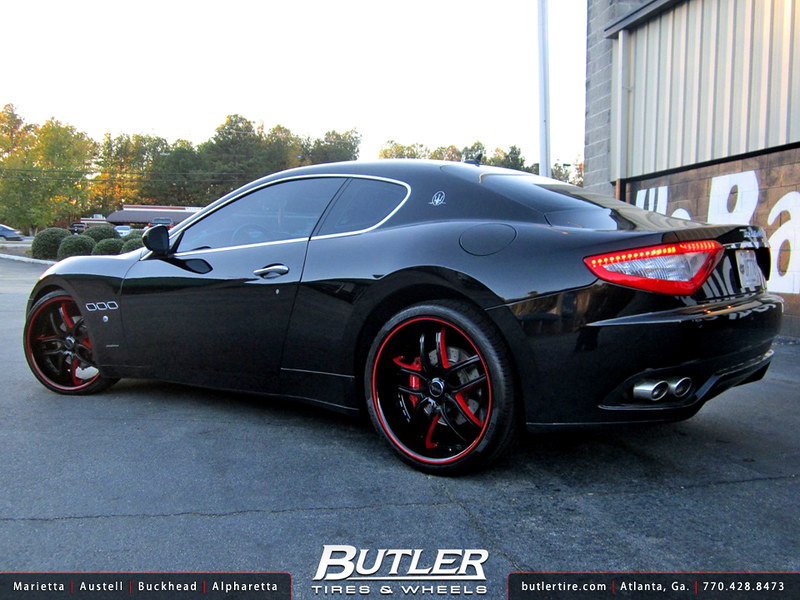 Maserati GranTurismo with 22in Savini BS2 Wheels