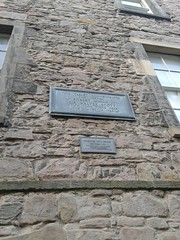 Photo of Robert Burns and Walter Scott bronze plaque