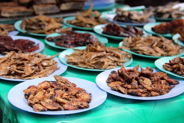 Food tour of Sriyan Market (ตลาดศรีย่าน)