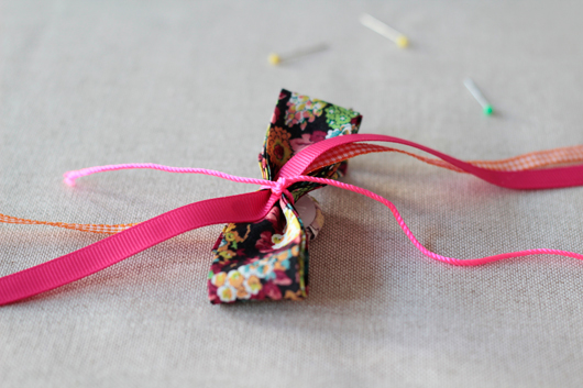 DIY: No Sew Bow Tie Pins To Wear & Decorate With!