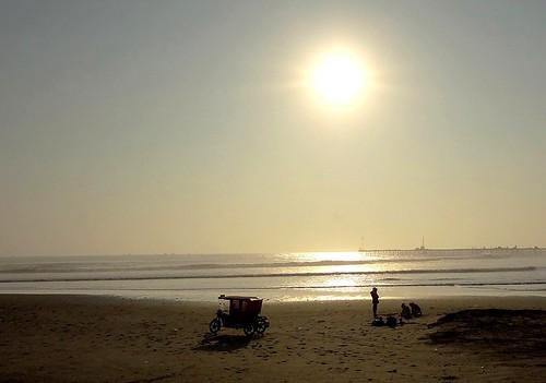 ocean sunset sea sky sol beach silhouette contraluz atardecer pier muelle tramonto mare sonnenuntergang sony cielo puestadesol silueta crépuscule ocaso backlighting anochecer crepuscolo twop silhueta autofocus coucherdusoleil dschx9v sonydschx9v