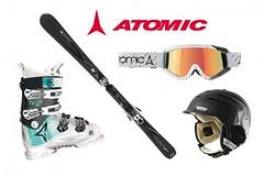 Perfektně vybavena - od lyží až po přilbu