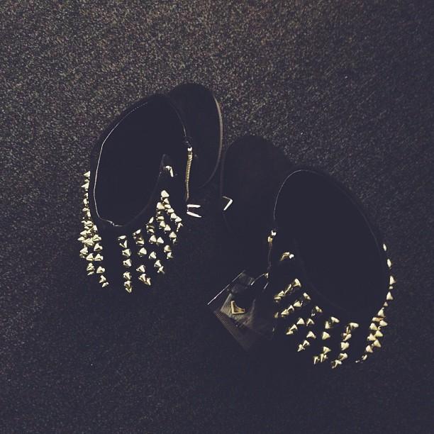 Saatoin ostaa jotain.... #black & #gold, my favourite kombo ✨