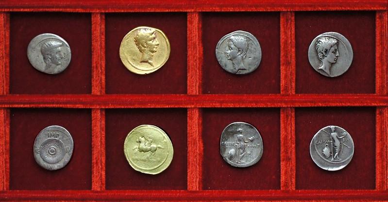 Octavian HCRI 392 shield, HCRI 394 horseman aureus, HCRI 395, HCRI 396 standing Venus, Ahala collection Roman Republic
