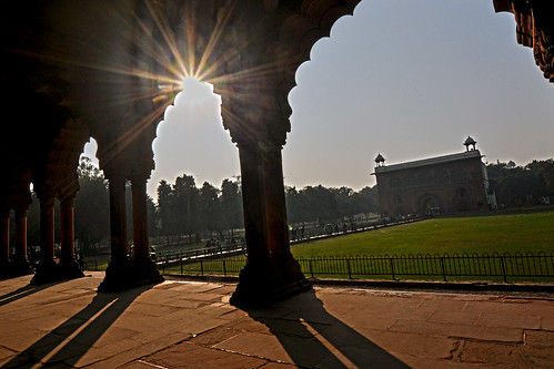 sunset sun india person nikon sandstone arch afternoon delhi indian arches landmark shade flare ornate fortress stucco redfort shahjahan olddelhi mughal diwan d90 diwaniaam naqqarkhana stuccowork martinreilly mjreilly shahhahan