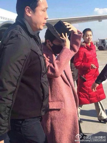 Big Bang - Harbin Airport - 21mar2015 - G-Dragon - 就这么继续着吧 - 01