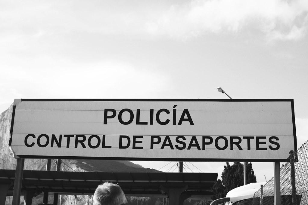 policia passports!