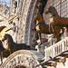 I quattro cavalli in bronzo dorato che sormontavano i carceres e che nel secolo XIII i veneziani depredarono e posero sulla facciata della Basilica di S. Marco
