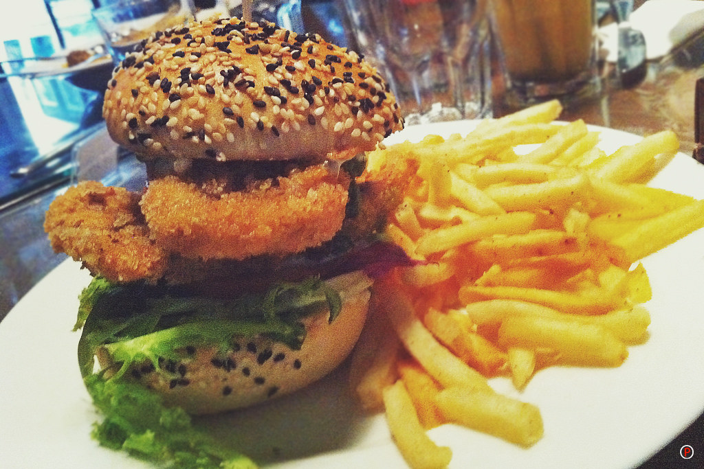 China House - Fish Burger