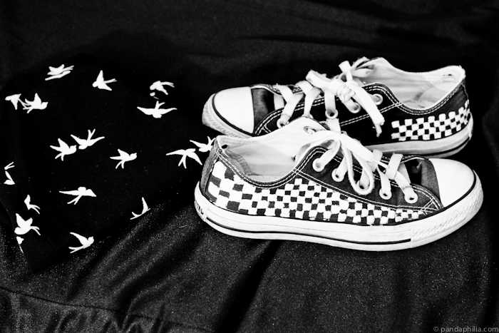 bird print and checkered converse