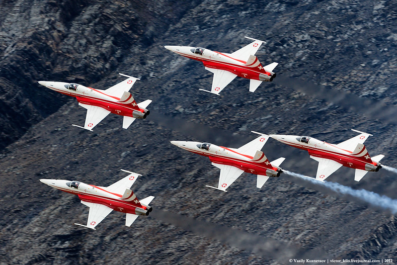 Patruille Suisse display at AXALP
