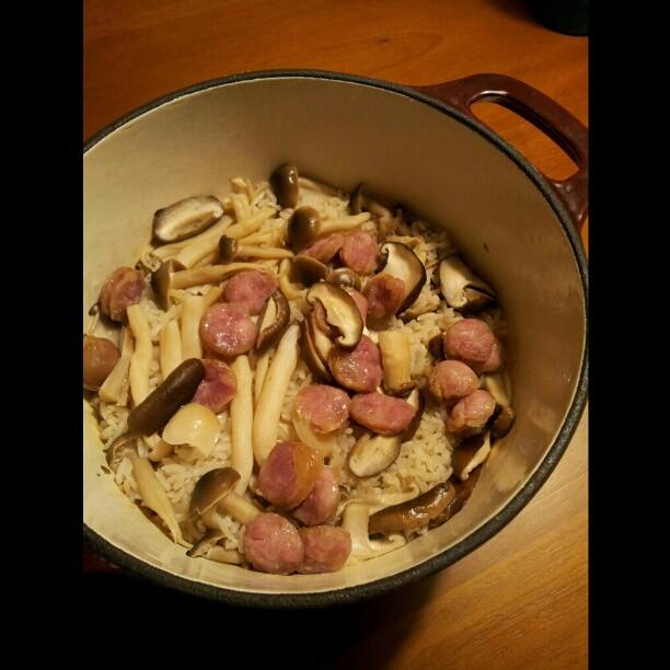 20121120 露營前的練習 用鑄鐵鍋煮飯。大成功!!