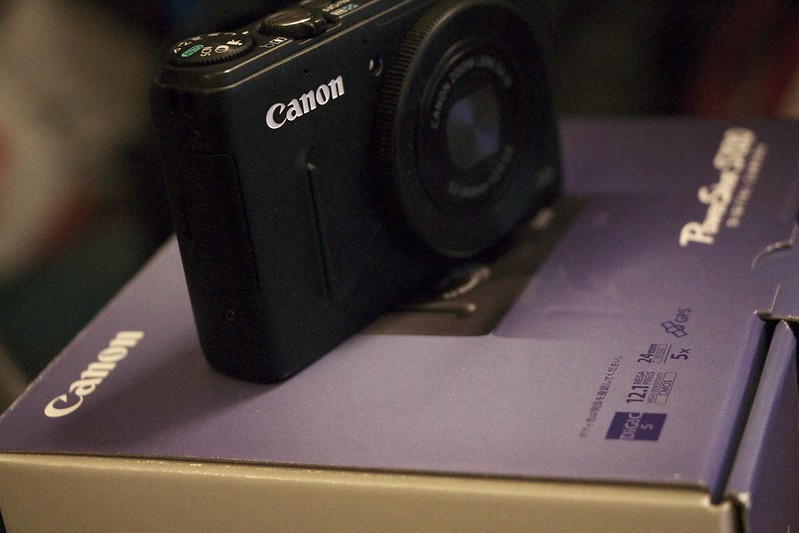 Canon S100 ゴミが写るので修理に