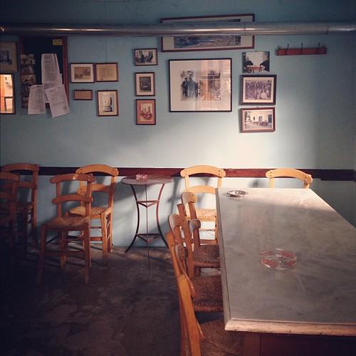 Καφενείο στον Λαύκο Πηλίου... by Dimitris Amountzas