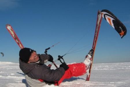 """""""Snowkiting nahradí vleky a lanovky"""", říkají nadšenci a prý i odborníci. Hahaha!"""