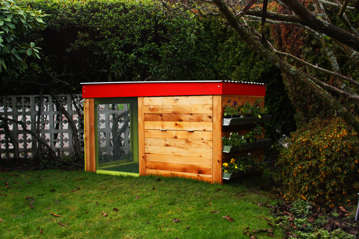 Kippen house makes modern chicken coops for the urban for Modern chicken coop