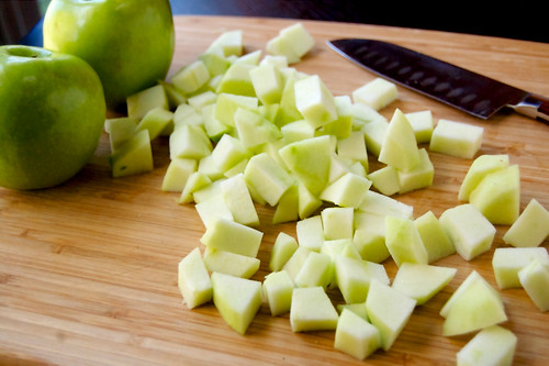 Grilled Flatbread with Apples, Bacon, and Leeks