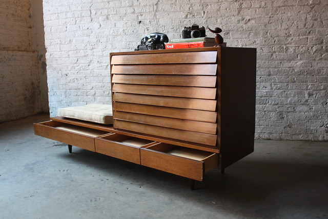 Knockout American of Martinsville Dania Collection Credenza Bench Media Cabinet Dresser (U.S.A. 1960's)