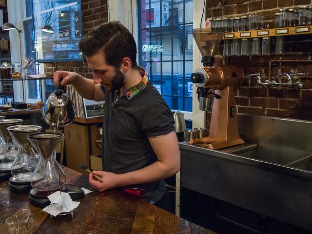 making kone coffee at revolver_coffee-20121130-1.jpg