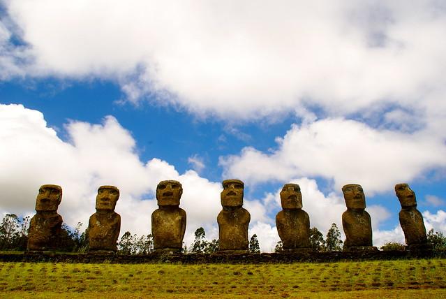 easter-island-moai