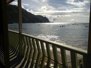 balcony, sea & hills