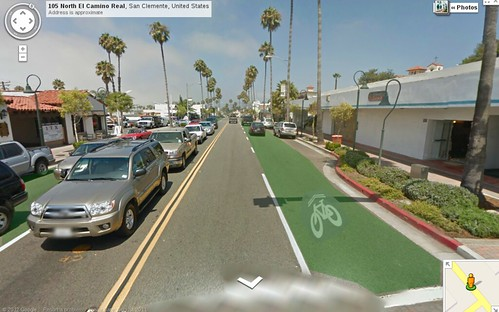 Green traffic lane on El Camino Real?