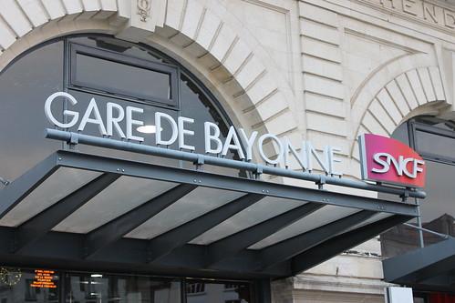 2012.08.02.348 - BAYONNE - Place Pereire - Gare de Bayonne