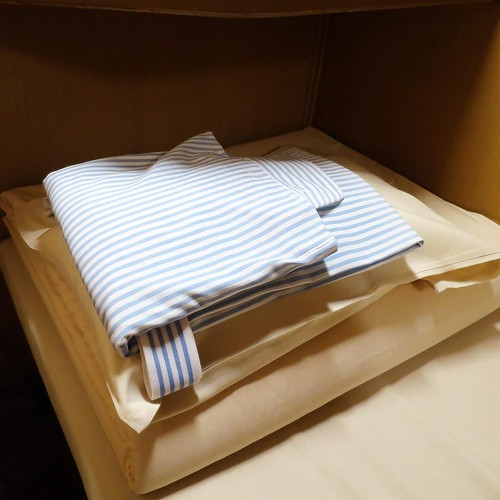 寝間着と布団と枕。 #サンライズ瀬戸