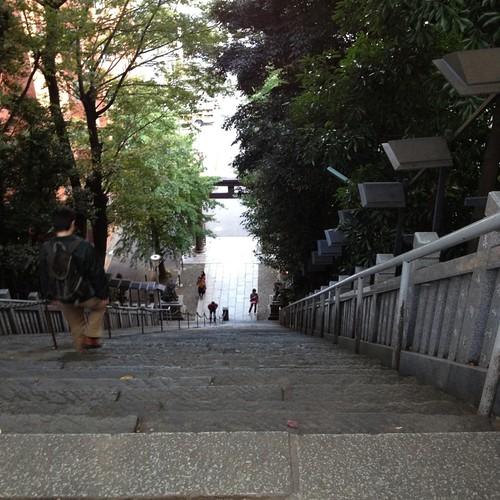 出世の石段を見下ろす by haruhiko_iyota