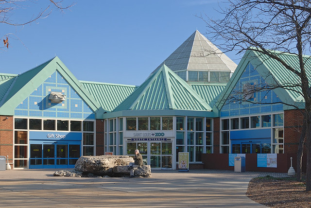 Saint Louis Zoo, in Forest Park, Saint Louis, Missouri, USA - entrance building