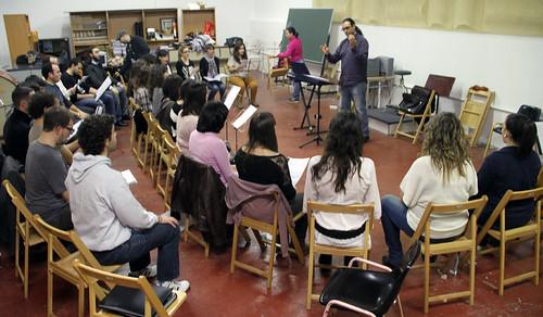 ENSAYANDO - CORO ÁNGEL BARJA JJMM-ULE - LEÓN 16.11.12